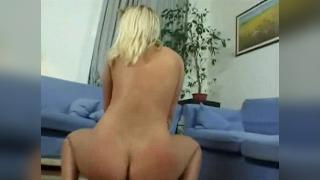 Blonde Sandy Style humps and rides on a hard