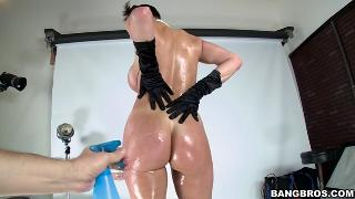 Kendra Lust dressed up like Kim Kardashian bares all on this